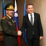 Obrambna-ministra-Azerbajdžana-in-Slovenije-300x200