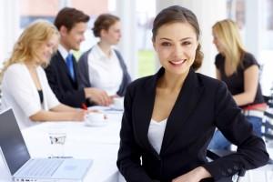Uspešna-ženska-v-podjetju-300x200