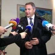 Dejan-Židan-izjava-za-medije-v-DZ-300x200
