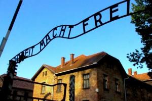 Taborišče-Auschwitz-300x200
