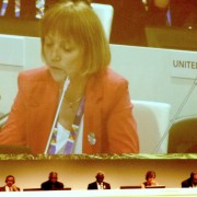 Tanja Strniša med nagovorom na Expo 2015