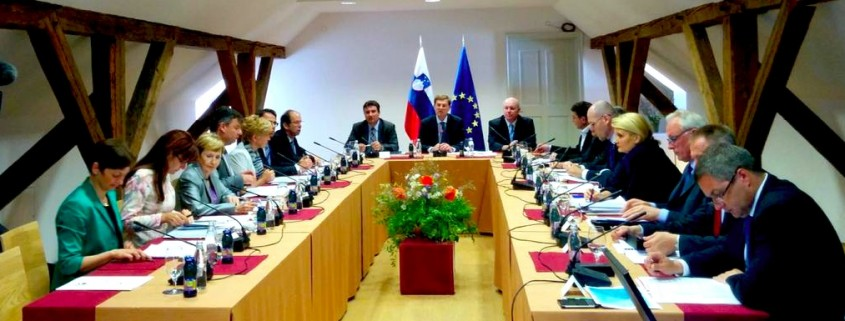 Vlada na sestanku ob obisku Notranjske