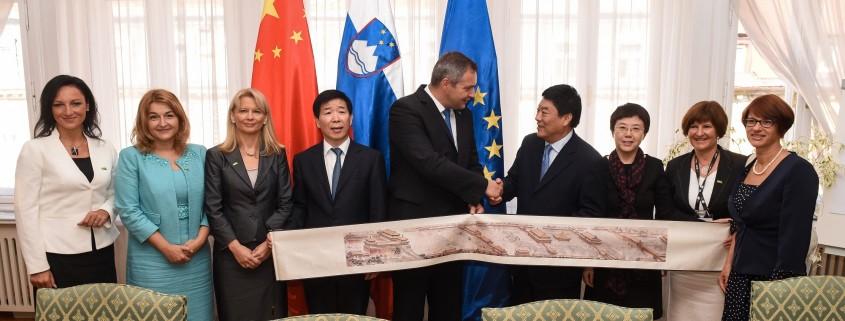 Židan s kitajsko delegacijo
