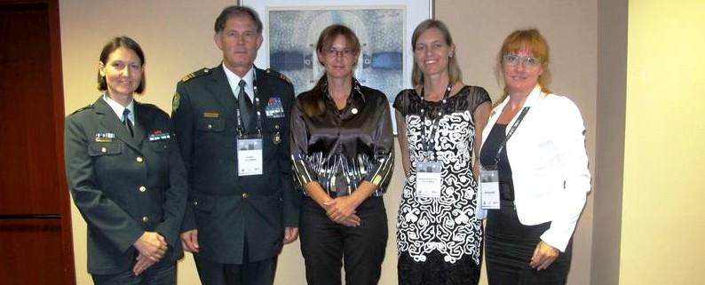 Andreja Katič z ekipo in Marriët Schuurman