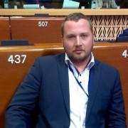 Jan Škoberne na zasedanju PS SE