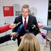 Predsednik SD Dejan Židan v izjavi za medije