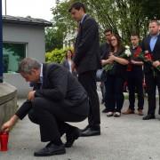 Poklon Dejana Židana z delegacijo SD žrtvam terorističnega napada v Nici