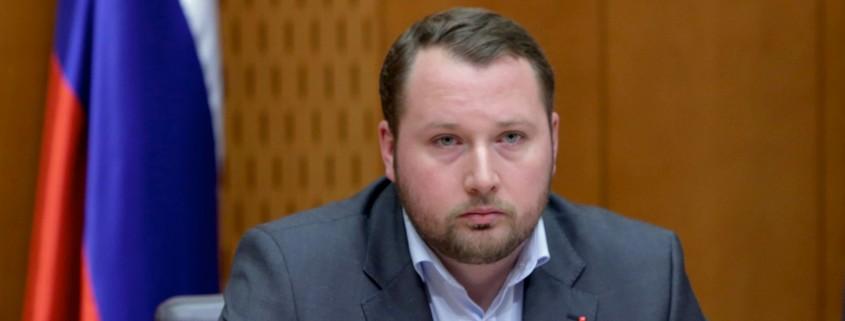 Jan Škoberne s poslanskim vprašanjem