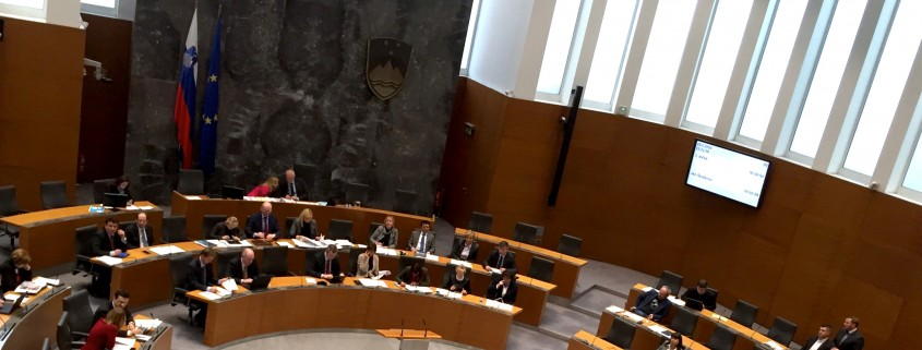 Škoberne sprašuje predsednika vlade