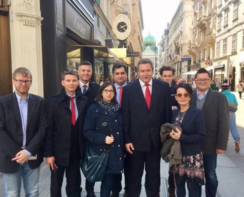 Židan z delegacijo na Dunaju