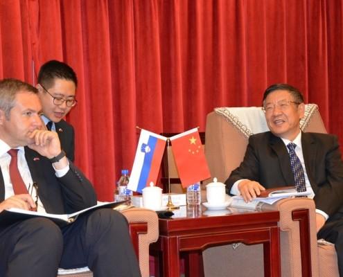 Židan s kitajskim ministrom za gozdarstvo Jianlongom