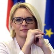 Anja-Kopač-Mrak-Naprej-1030x517