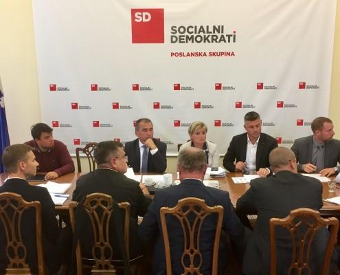 Sestanek v PS SD z ministrom Gašperšičem