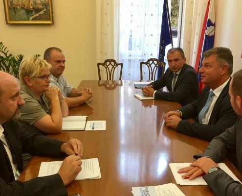 Sestanek županov z ministrom Gašperšičem