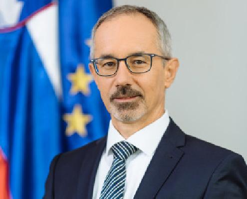 dr. Bojan Pahor